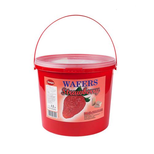 Cremewaffeln mit Erdbeer-geschmack im Eimer